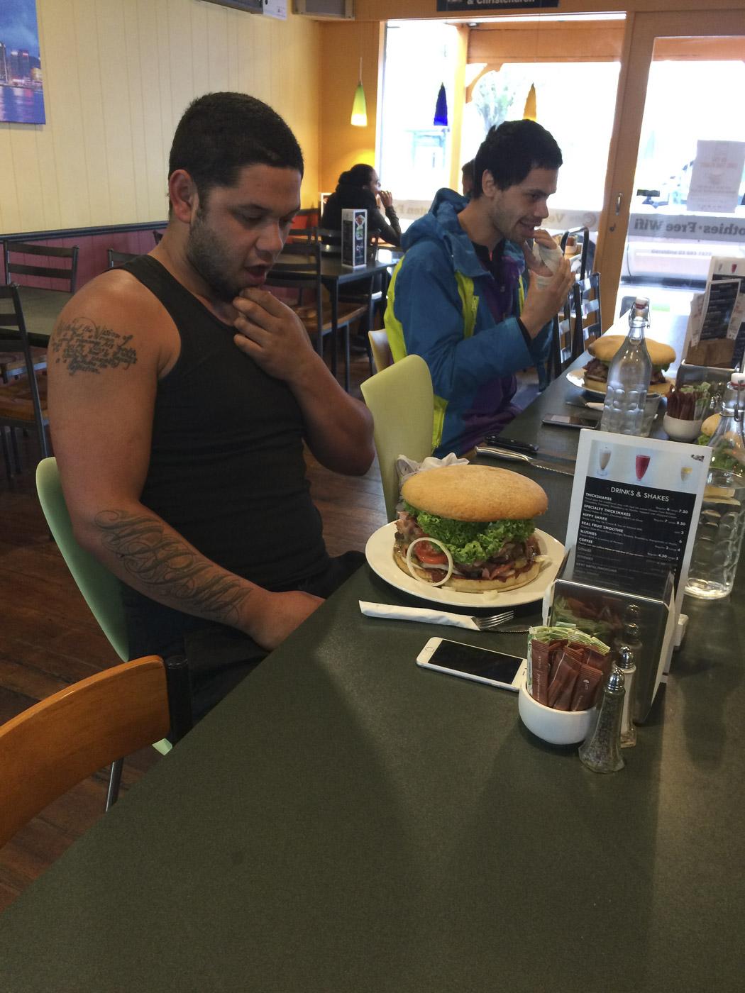 2Kg burger - free if you finish it